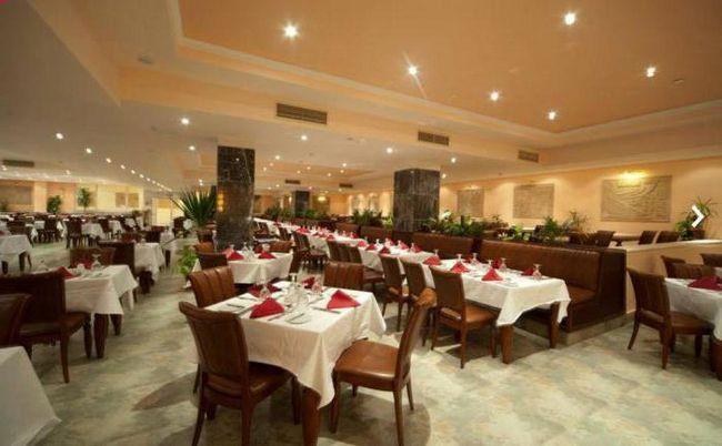 amc royal resort в Хургаді