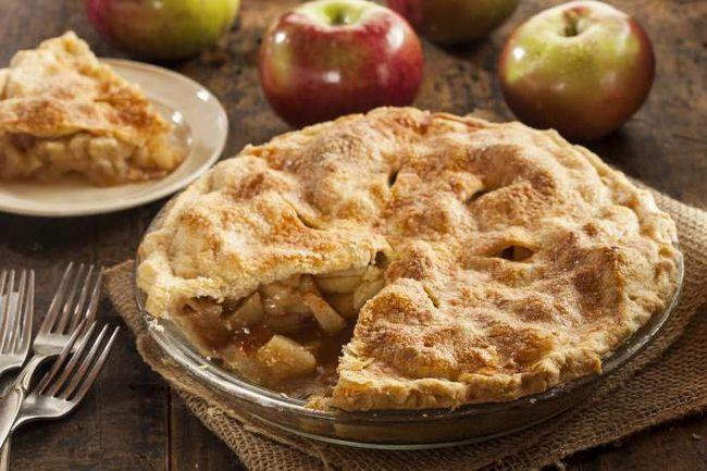 рецепт американського яблучного пирога з карамеллю
