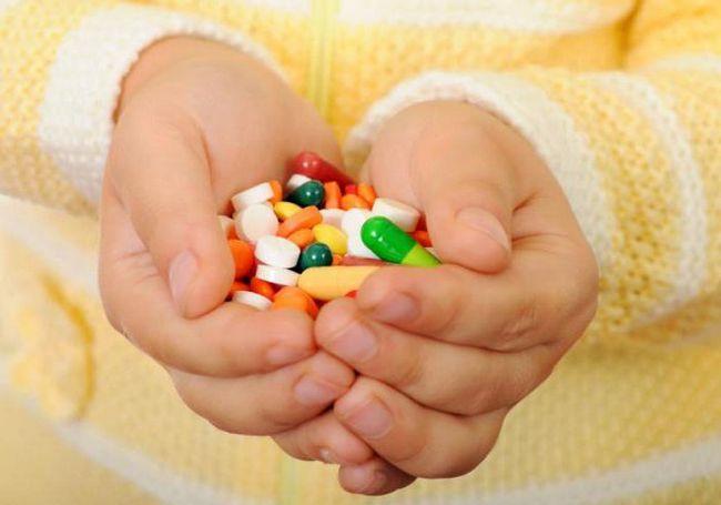 Антибіотики дітям при кашлі які