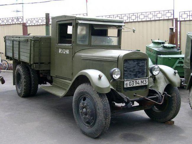 вантажівка ЗІС 5