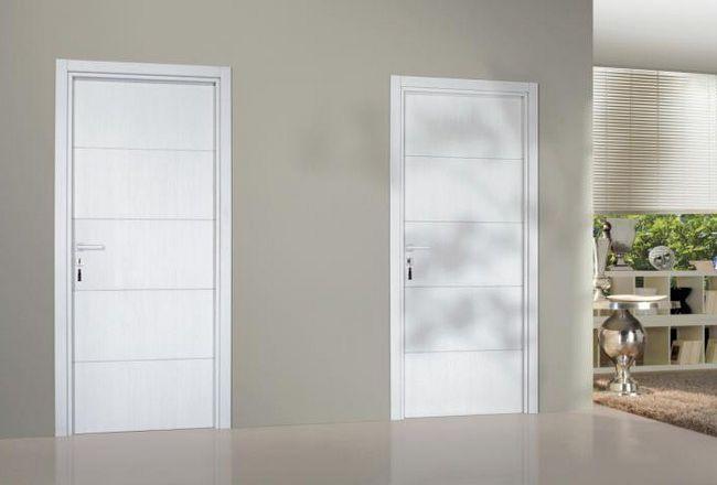 Фото - Білі двері в білому інтер'єрі (фото)