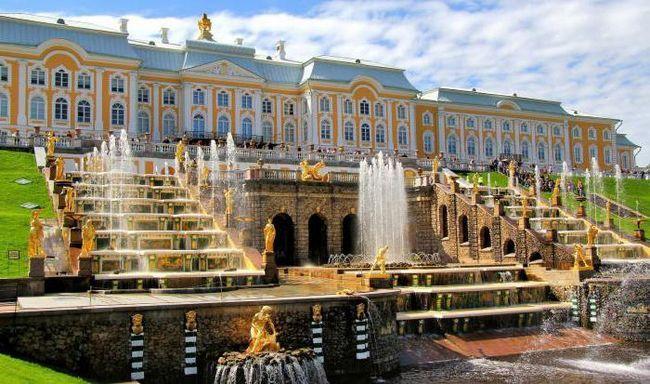 Фото - Великі каскади Петергофа (Санкт-Петербург, Росія)