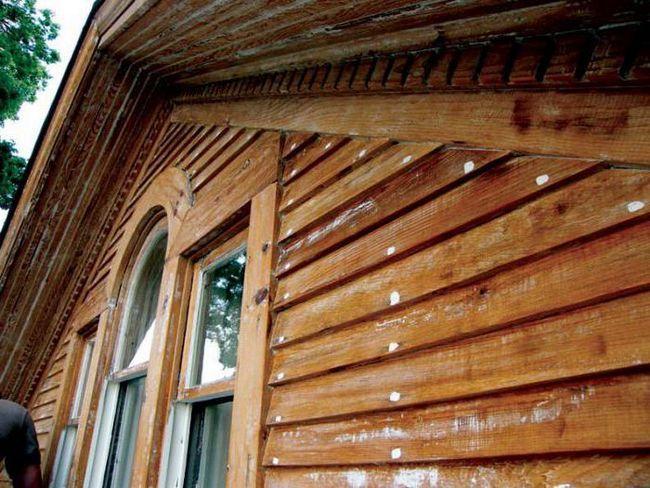 чим обробити фасад дерев'яного будинку