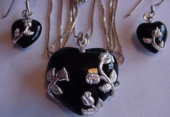 чорний нефрит камінь властивості