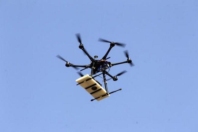 літальний дрон