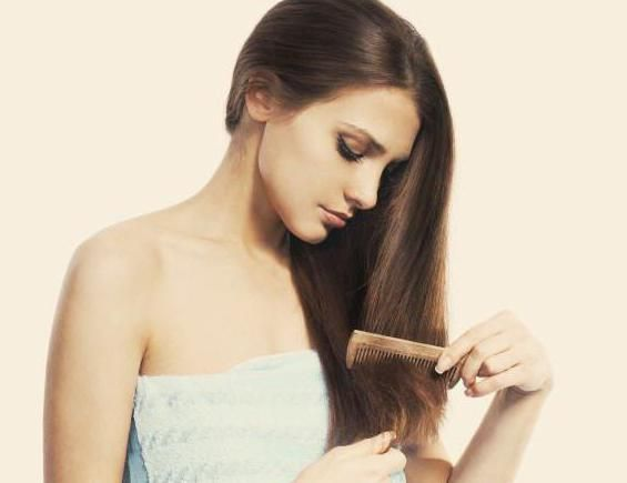 до якого лікаря звернутися якщо випадає волосся з коренем