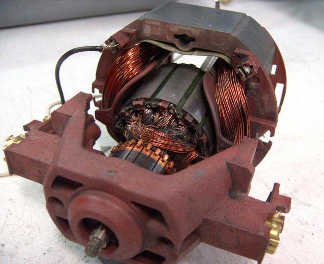 чому генератор не дає зарядку