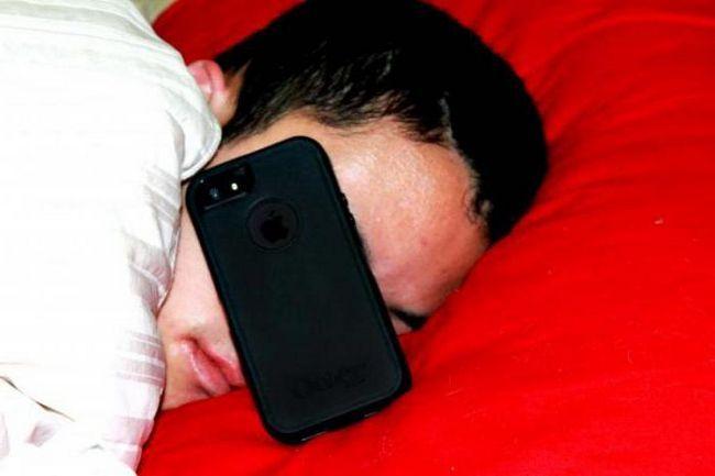 бачити уві сні телефон