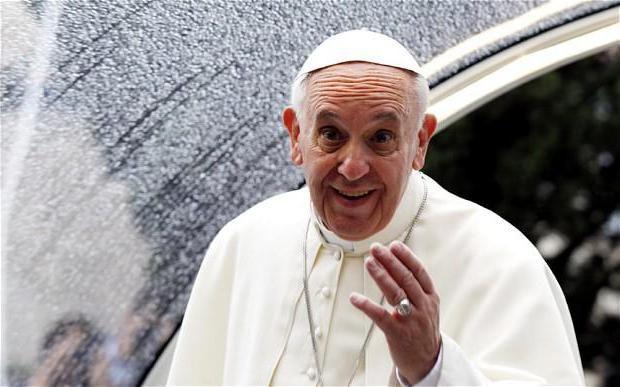 Фото - Як і скільки заробляє священик в церкві різних країн