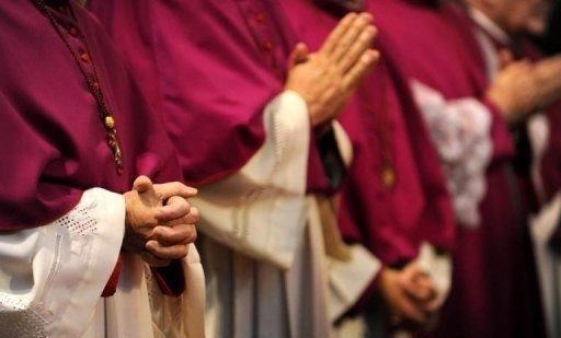 скільки заробляють священики
