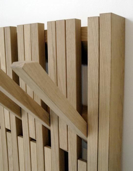 вішалки для одягу дерев'яні