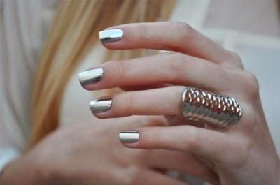 Фото - Як зробити дзеркальні нігті вдома?