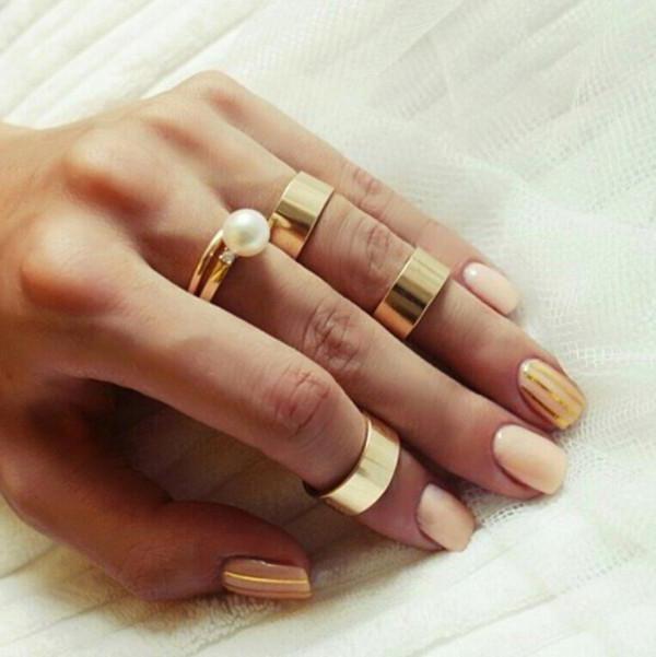 як правильно робити дзеркальні нігті в домашніх умовах