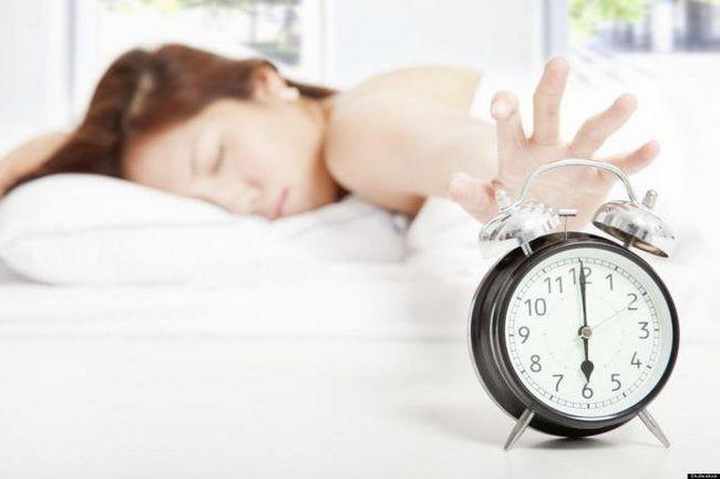 Фото - Як вставати рано вранці і висипатися? Як привчити себе рано вставати?