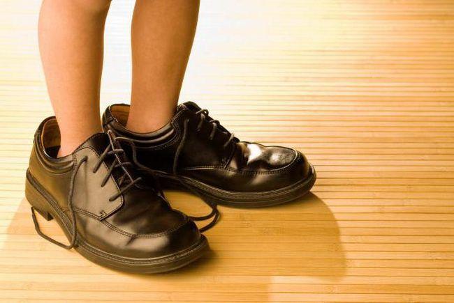 Фото - Як вибирати взуття для дітей. Розміри за віком