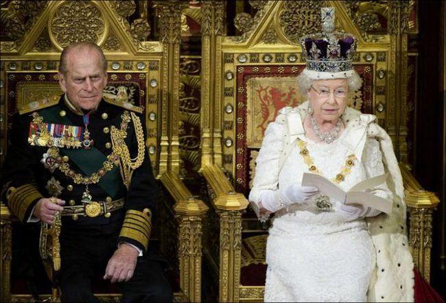 конституційною монархією є