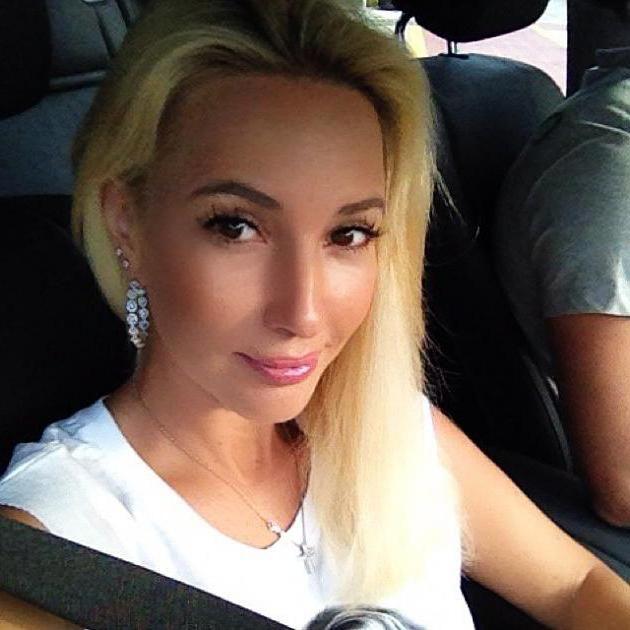 Лєра Кудрявцева без макіяжу і фотошопу