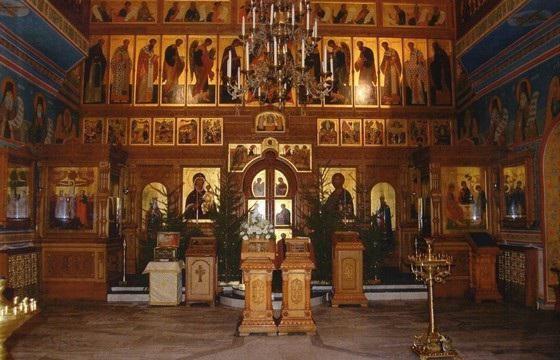 Храм Петра і Павла в Ясенів розклад