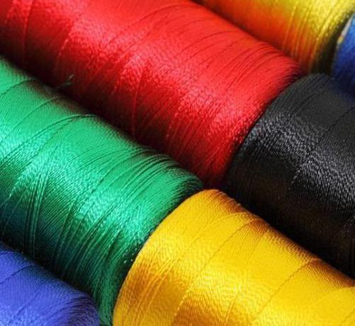 Фото - Натуральні шовкові нитки - особливості виробництва і основні властивості. Магічні властивості червоної нитки.