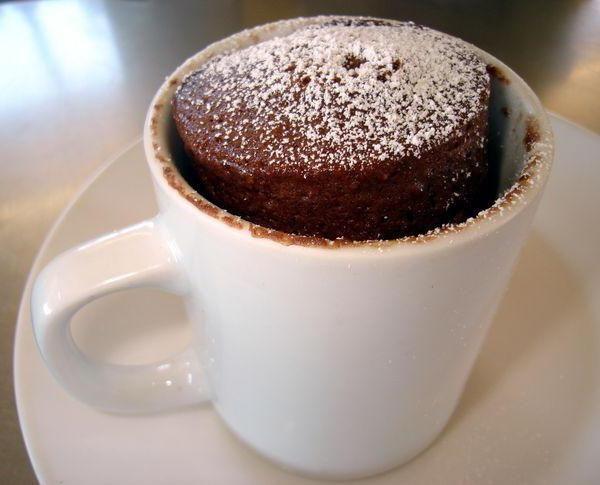 як зробити шоколадний кекс в мікрохвильовці