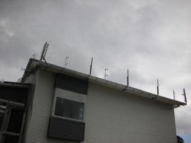 огорожу покрівлі будівлі
