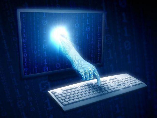які етапи розвитку технічних засобів та інформаційних ресурсів
