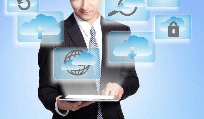 які існують етапи розвитку технічних засобів та інформаційних ресурсів