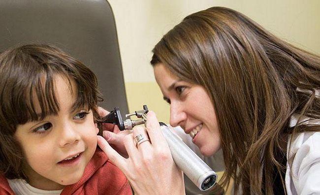 отинум або отипакс при лікуванні отиту у дітей