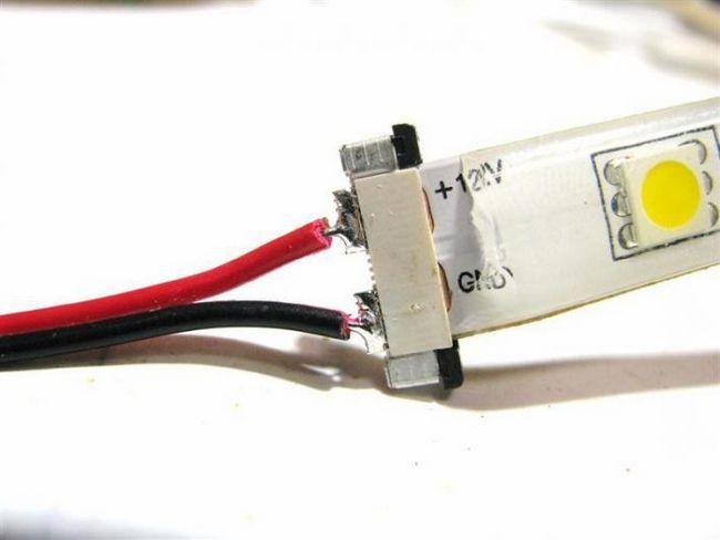 Світлодіодна стрічка в авто підключення