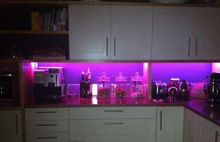підсвічування для кухні під шафи фото