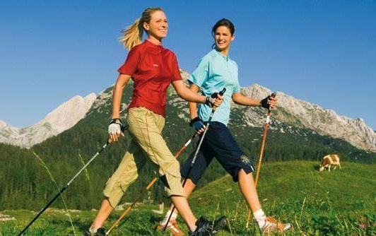 Фото - Користь скандинавської ходьби з палицями: для літніх після інсульту. Протипоказання і шкода