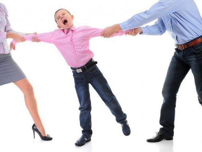 з ким залишається дитина після розлучення батьків