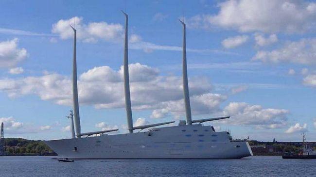найбільша яхта у світі 2015