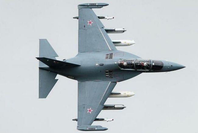 Фото - Літак ЯК-130: технічні характеристики, опис, схема та огляд