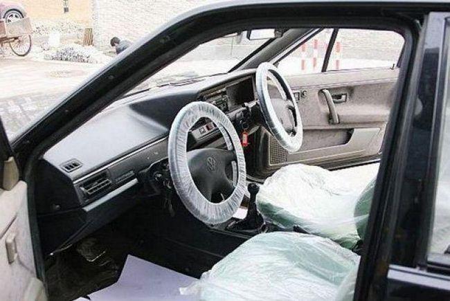 Фото - Скільки коштує вписати в страховку водія без стажу. Скільки коштує вписати людину в страховку?