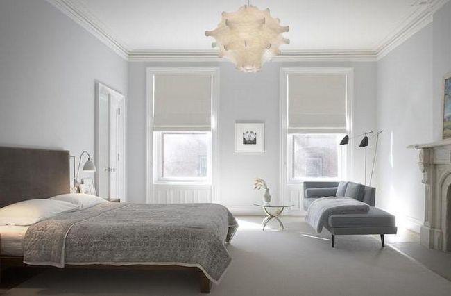 класичний інтер'єр квартири в світлих тонах
