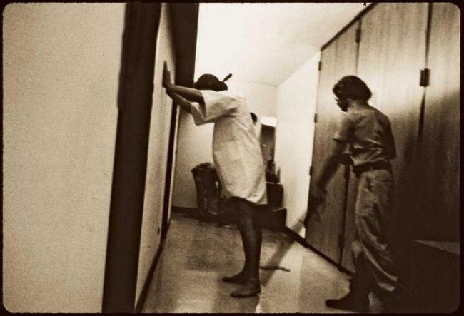 Фото - Стенфордський тюремний експеримент Філіпа Зімбардо: відгуки, аналіз, висновки