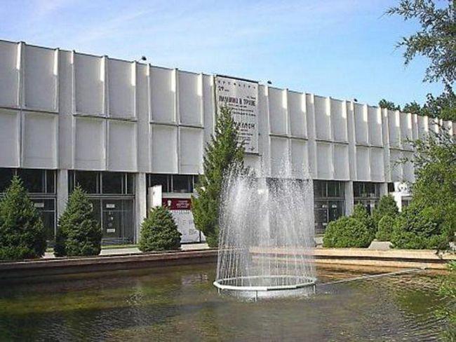 Фото - Театр Лермонтова (Алмати): історія, репертуар, трупа