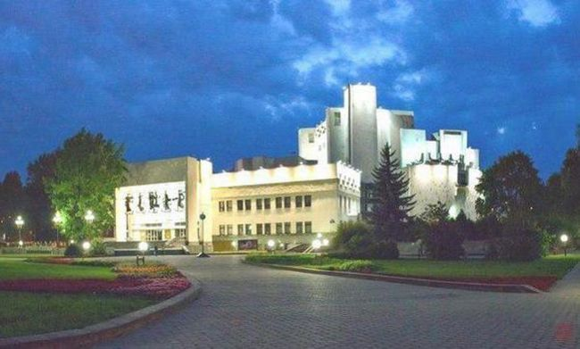 театр музкомедії минск