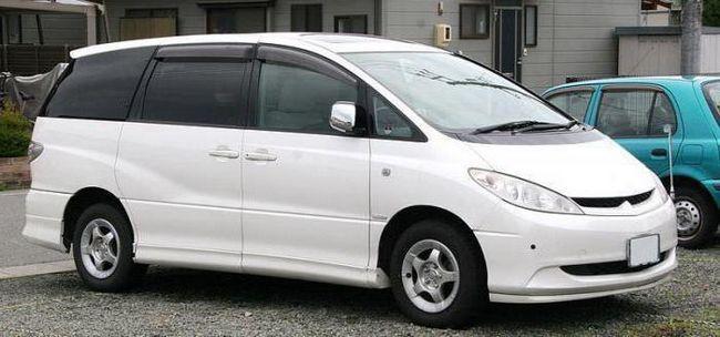 Фото - Toyota Estima - сімейний диліжанс