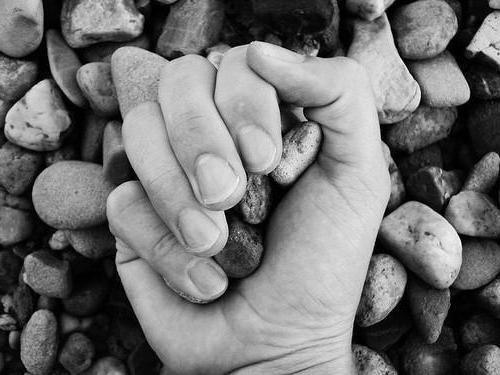 прийшов час збирати каміння значення