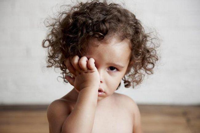 закисають очі у дитини 3 роки