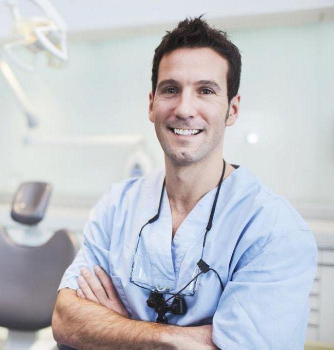 зарплати головних лікарів