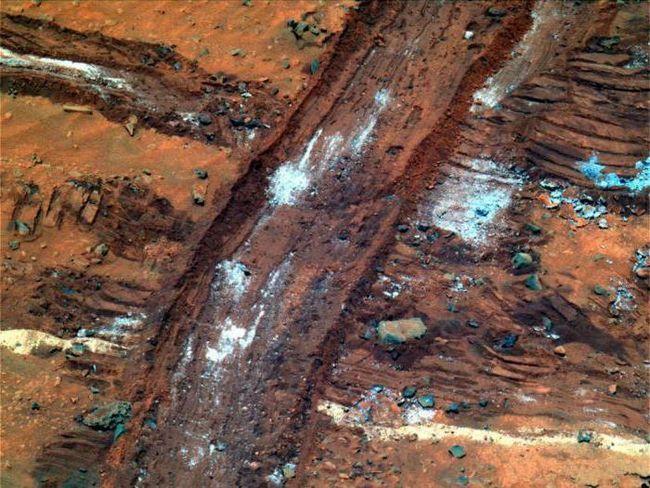 Рідка вода на Марсі